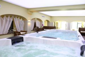 White Rock Castle Suite Hotel SPA
