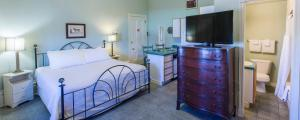 Chipman Hill Suites -Yeats House - Fredericton