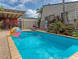 Surf Club House, Pet Friendly, Sunshine Coast, Holiday House, Marcoola - Marcoola
