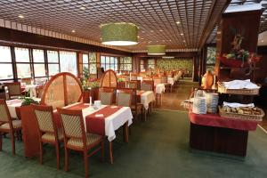 Danubius Health Spa Resort Aqua - Все включено, Отели  Хевиз - big - 46