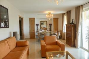 Résidence La Loggia, Apartmány  Cannes - big - 37