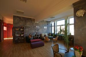 El Hostel, Варшава