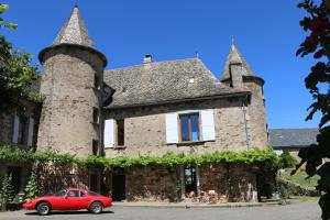 Chateau de Cadars - Accommodation - Quins