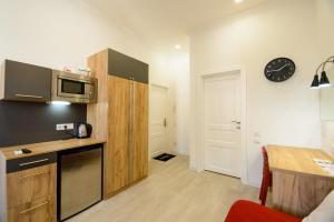 Partner Guest House Khreschatyk, Appartamenti  Kiev - big - 96