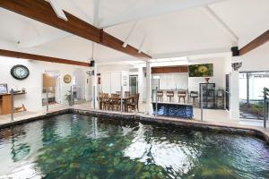Coolum Retreat, Pet Friendly, Sunshine Coast Holiday House