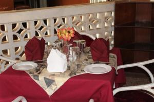 Leisure Lodge Hotels, Hotels  Freetown - big - 44