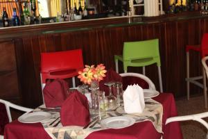Leisure Lodge Hotels, Hotels  Freetown - big - 45