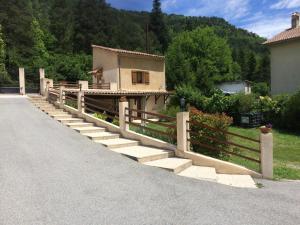 Location gîte, chambres d'hotes Gite Loisirs Provence dans le département Alpes de haute provence 4