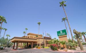 GreenTree Inn & Suites Phoenix..