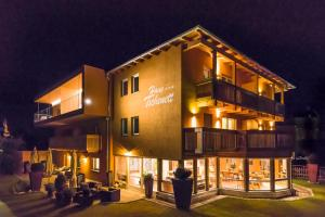 Residence-Garni Haus Tschenett - Sluderno
