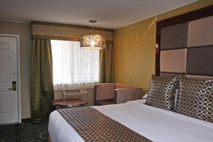 Gateway Inn and Suites, Отели  Салида - big - 108
