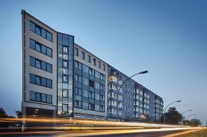 Hotel Sedes - Neu Buch