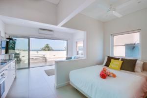 Bondi Beachfront Penthouse Apartment