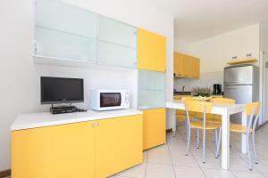 Sunbeach Apartments - AbcAlberghi.com