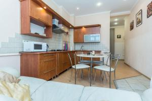 Two-Bedroom Apartment with Park View Apartments Daria Nezavisimosti