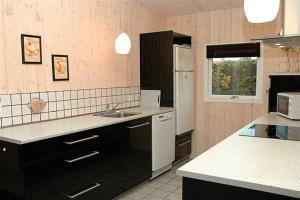 Holiday home Pindvej H- 3508, Ferienhäuser  Egeskov - big - 13