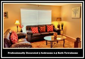 Central/West Houston Townhome (283), Apartmanok  Houston - big - 1