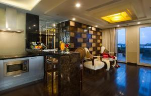Golden Silk Boutique Hotel, Hotel  Hanoi - big - 104