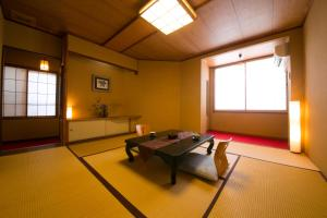 Japanese-Style Twin Room with Shared Bathroom Watanabe