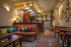 Hostels e Albergues - Dionisis Studios