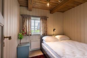Håholmen Havstuer - By Classic Norway Hotels, Hotely  Karvåg - big - 5