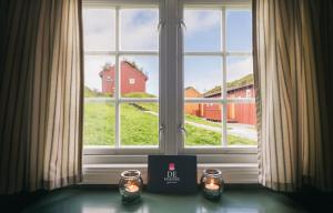 Håholmen Havstuer - By Classic Norway Hotels, Hotely  Karvåg - big - 12