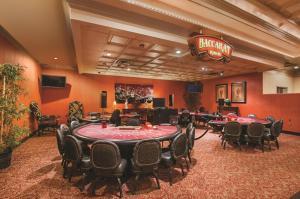 Horseshoe Bossier Casino & Hotel, Курортные отели  Бошьер-Сити - big - 16