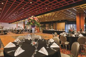 Horseshoe Bossier Casino & Hotel, Курортные отели  Бошьер-Сити - big - 12