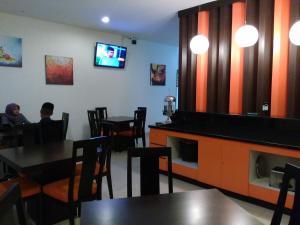 Hotel Alpha Makassar, Hotely  Makasar - big - 8