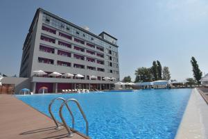 Отель Beton Brut Resort All Inclusive, Анапа