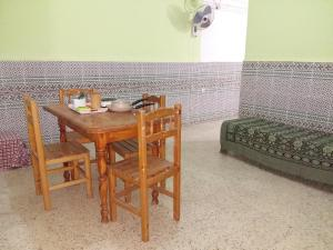 Elnaweras Guesthouse, Pensionen  Sidi Ferruch - big - 7