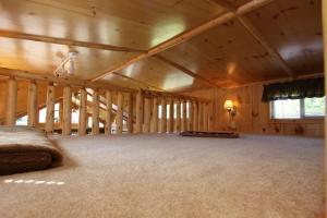 Lakeland RV Campground Loft Cabin 5, Комплексы для отдыха с коттеджами/бунгало  Edgerton - big - 12