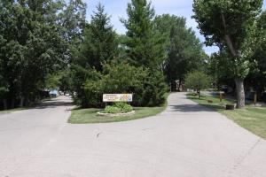 Lakeland RV Campground Loft Cabin 5, Комплексы для отдыха с коттеджами/бунгало  Edgerton - big - 9