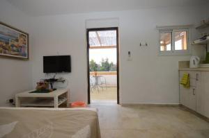 Roof suite at the heart of Jerusalem, Apartments  Jerusalem - big - 22