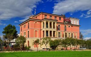 Hotel Ristorante Casa Rossa - AbcAlberghi.com