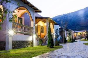 Stamp Hills Resort - Thung Faek