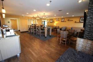 Hampton Inn Sandusky-Central, Отели  Сандаски - big - 22
