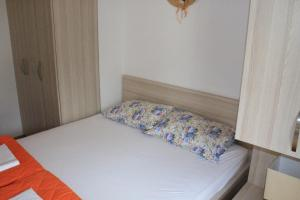Centar New Mike Apartment, Ferienwohnungen  Budva - big - 24