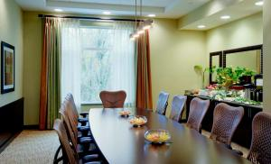 Hilton Garden Inn Seattle/Bothell, Hotel  Bothell - big - 12