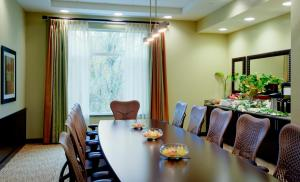 Hilton Garden Inn Seattle/Bothell, Hotel  Bothell - big - 27