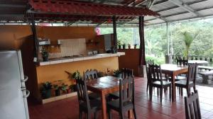 Cabinas Pura Vida Bed & Breakfast