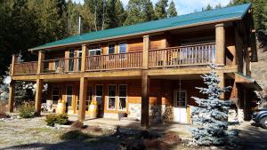 High Rim Vacation Suites - Accommodation - Kelowna