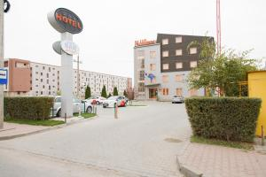 Plus Hotel, Hotely  Craiova - big - 1