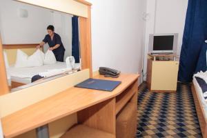 Plus Hotel, Hotely  Craiova - big - 8