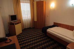 Plus Hotel, Hotely  Craiova - big - 5