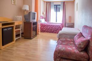Hotel Tibur, Szállodák  Zaragoza - big - 66