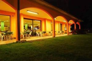 Hotel Azzurra, Hotels  Spinone Al Lago - big - 20