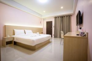 Unity Hotel - Khun Han