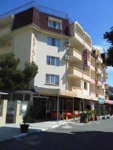 Krasi Hotel, Hotels  Ravda - big - 32