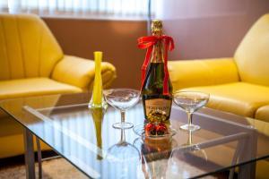 Panorama Top Floor Rooms in Hotel Tundzha, Гостевые дома  Ямбол - big - 9